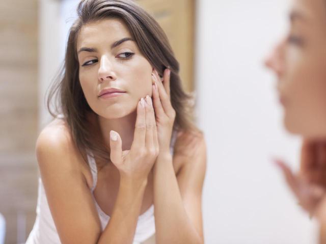 画像: 2.オイリー肌に保湿剤は必要ない