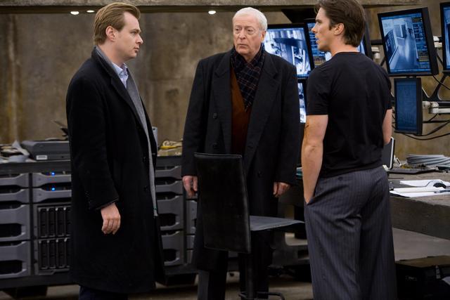 画像2: 執事アルフレッド役、マイケル・ケインがセリフを忘れたシーンは?