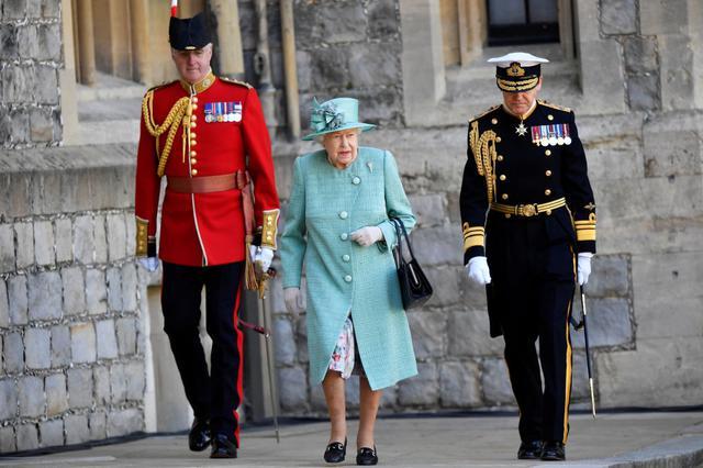 画像: バッキンガム・パレス・ジンは王室の救世主に?