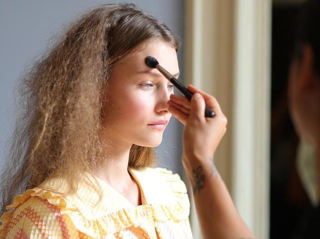画像3: 夏に映えるうるツヤ肌の作り方