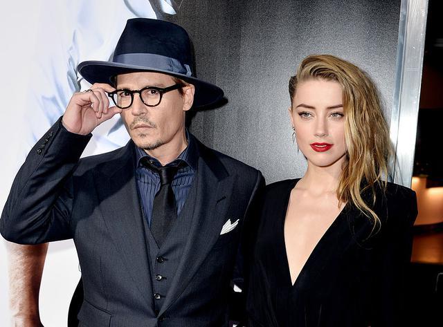 画像: ジョニーとアンバーは映画『ラム・ダイアリーズ』での共演がきっかけで急接近。2015年に結婚したが、アンバーがジョニーからのDVを告発し、離婚申請。一度は示談となったものの、ジョニーが英メディアThe Sunの出版元を名誉棄損で訴えたことで再び泥仕合と化している。