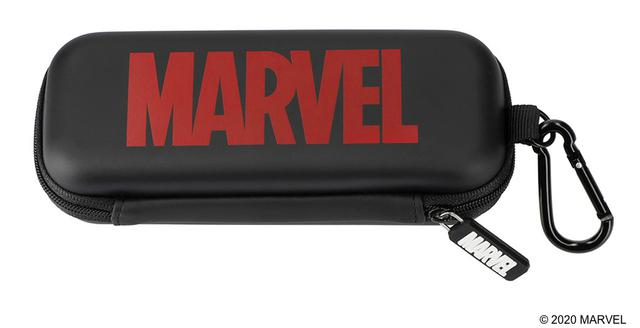 画像1: 持ち運びにも便利!マーベルのカラビナ付きメガネケース
