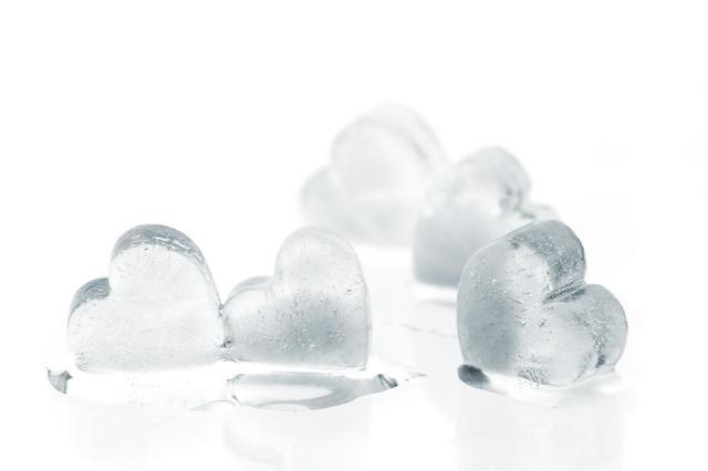 画像: テク1.氷で冷やす