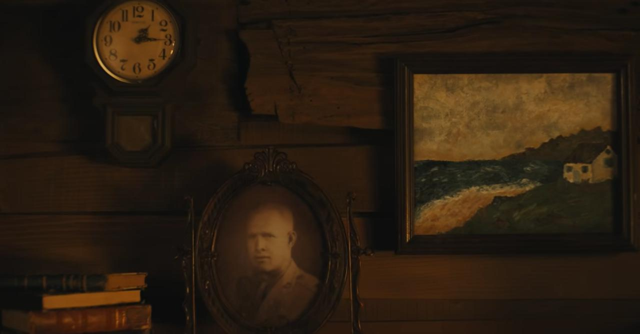 画像: 「カーディガン」のビデオに登場する祖父アーチーの写真。