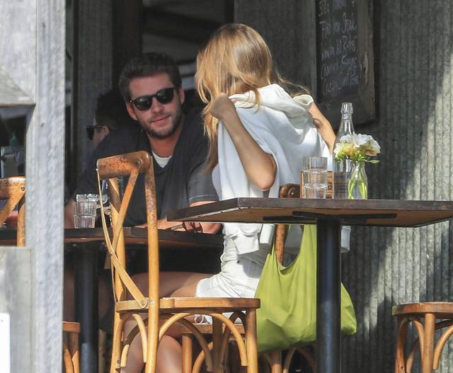 画像3: リアムとガブリエラがバイロンベイでデート