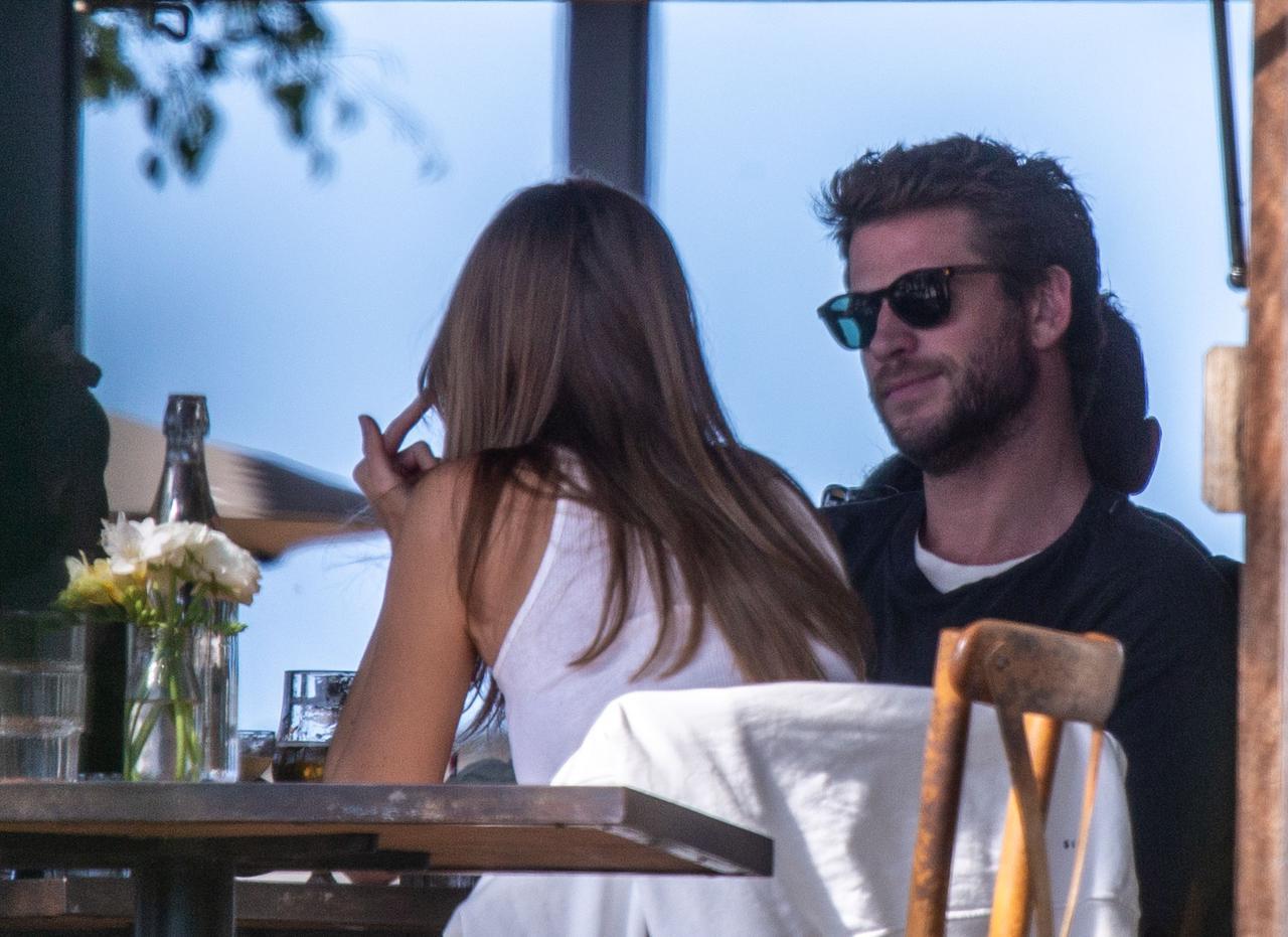 画像2: リアムとガブリエラがバイロンベイでデート
