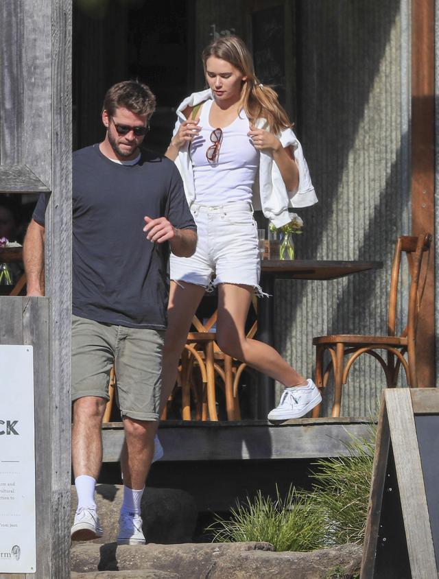 画像1: リアムとガブリエラがバイロンベイでデート