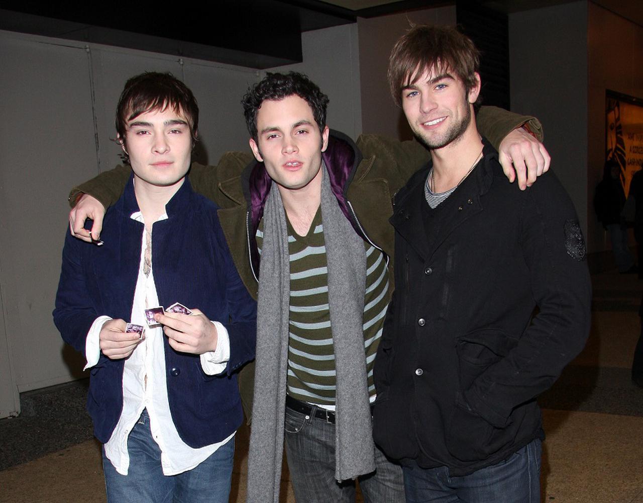 画像: 2007年放送開始当時のエド・ウェストウィック、ペン・バッジリー、チェイス・クロフォード。