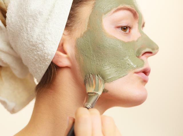 画像: 毛穴をケアするフェイスマスク