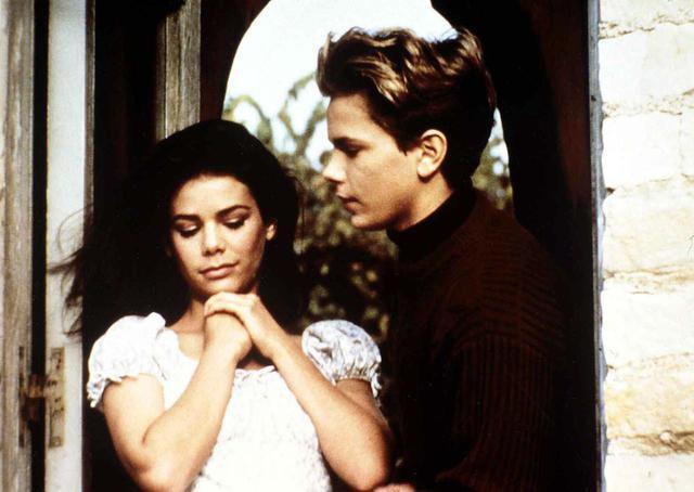 画像: 1988年公開のリヴァーの出演作『ジミー/さよならのキスもしてくれない』より。 ⓒUnited Archives/IFTN/Newscom