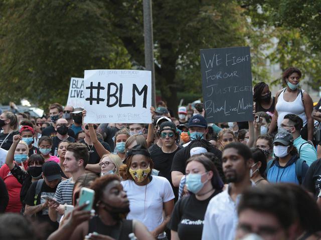 画像: ふたたび黒人男性が警官に撃たれる