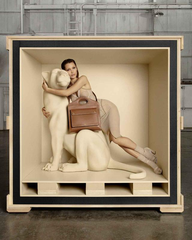 画像4: バーバリー、ベラ・ハディッドを起用した初のバッグキャンペーン