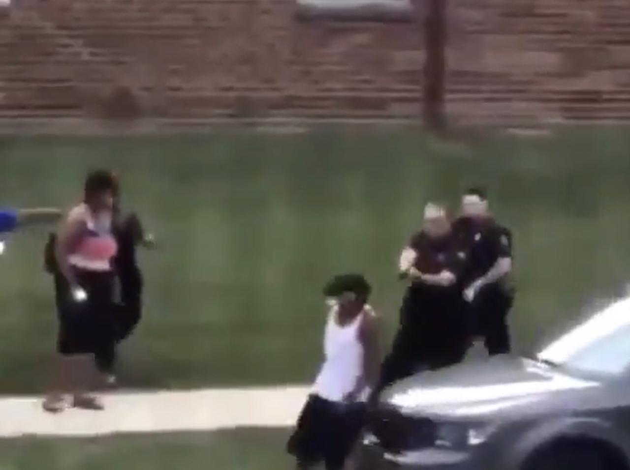 画像: 黒人男性が3人の子供の前で白人警官に7発撃たれる、Black Lives Matterデモがふたたび - フロントロウ -海外セレブ情報を発信