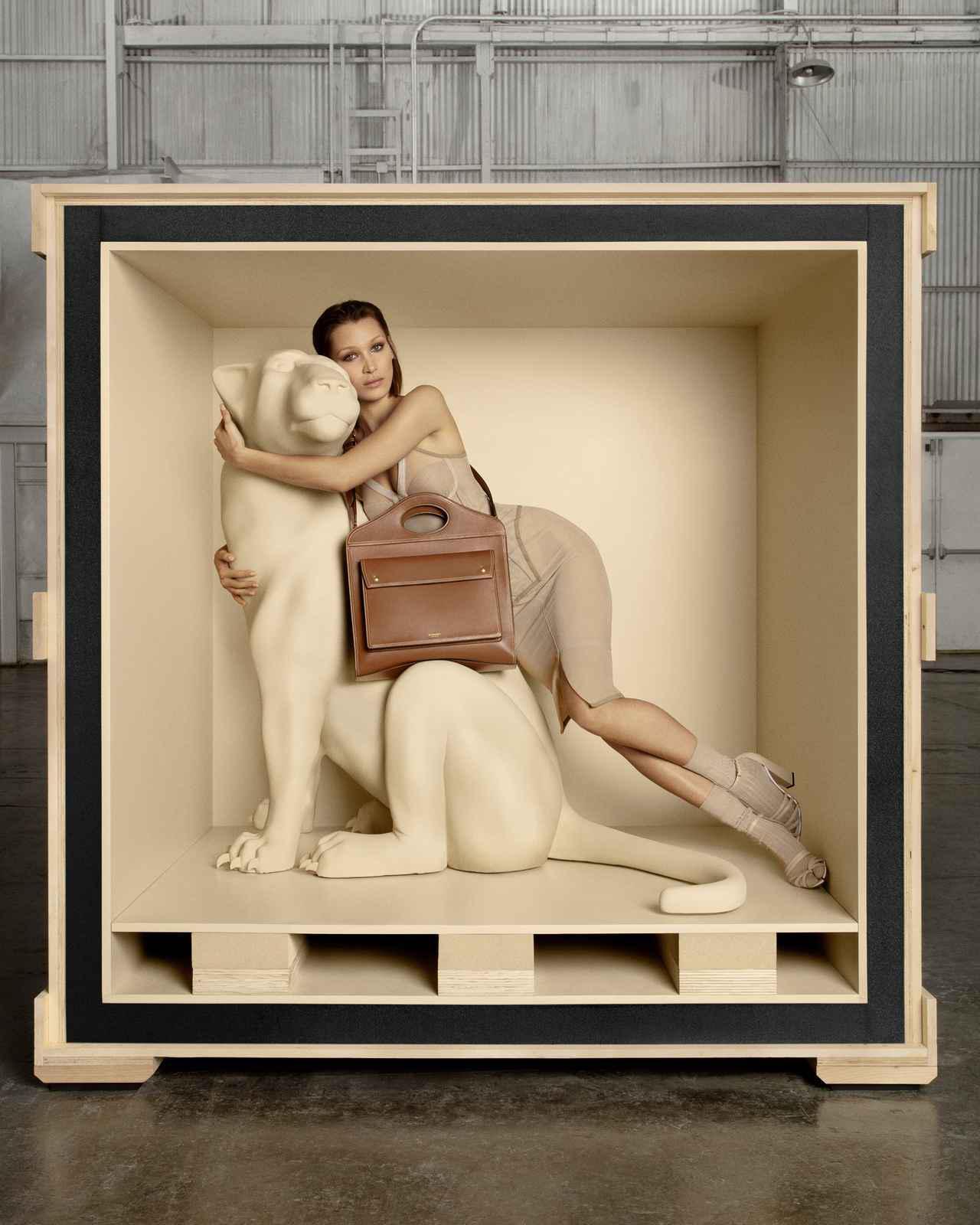 画像7: ベラ・ハディッドがバーバリーの広告塔に
