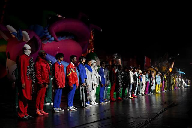 画像1: ルイ・ヴィトンが東京でショーを開催