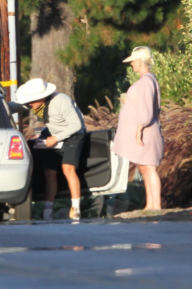 画像: オーランドとケイティは2人でマイティを捜索しているところが度々目撃されていた。