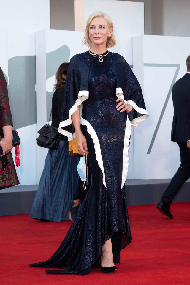 画像2: ケイト・ブランシェットが5年前のドレスを復活させる