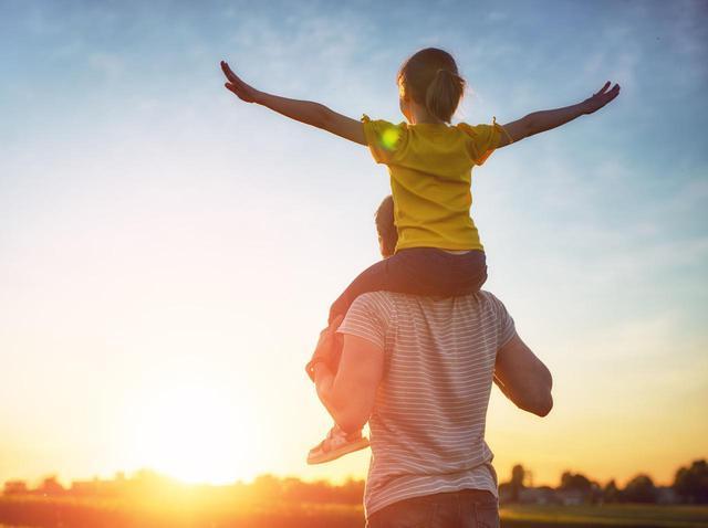画像: 女性の広告を「エロくするな」、女の子を育てる父親が怒りの声【女性史月間】 - フロントロウ -海外セレブ情報を発信