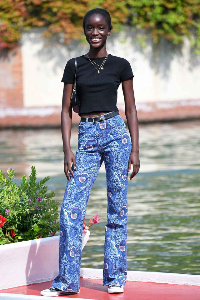 画像1: モデルのマティ・フォール・ディバ