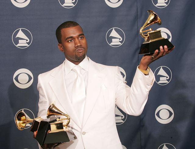 画像: 3冠を獲得した2005年のグラミー賞にて。