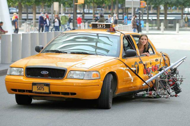 画像5: メイベリン広告撮影中のジョセフィン・スクライバーを激写