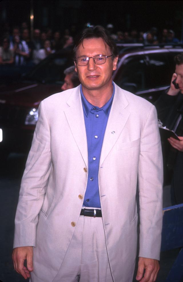 画像: 1999年、ニューヨークで開催された『スター・ウォーズ エピソード1/ファントム・メナス』のプレミアに出席したリーアム・ニーソン。