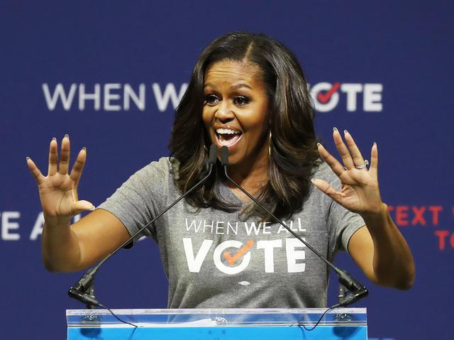 画像: フロリダ州のマイアミ大学で開催されたWhen We All Voteの集会で演説を行なったミシェル・オバマ前大統領夫人。