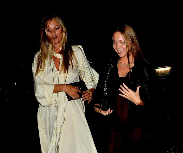 画像2: ケイト・モスが娘と恋人と共に有名デザイナーの誕生日会へ