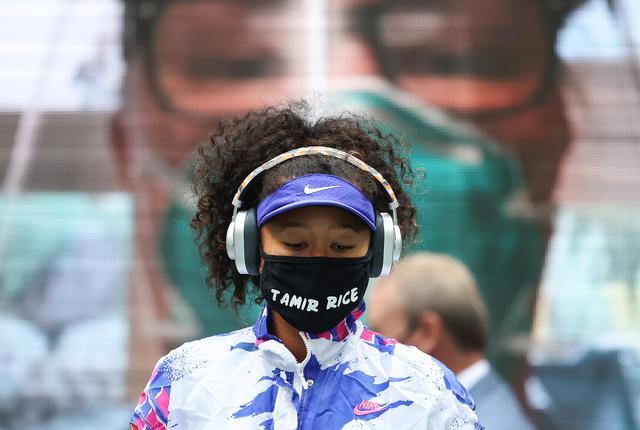 画像: 決勝で着用したのは、「タミル・ライス」のマスク。タミル君は当時まだ12歳だった2014年、公園で模造銃を持って遊んでいたところ、警察官によって射殺された。