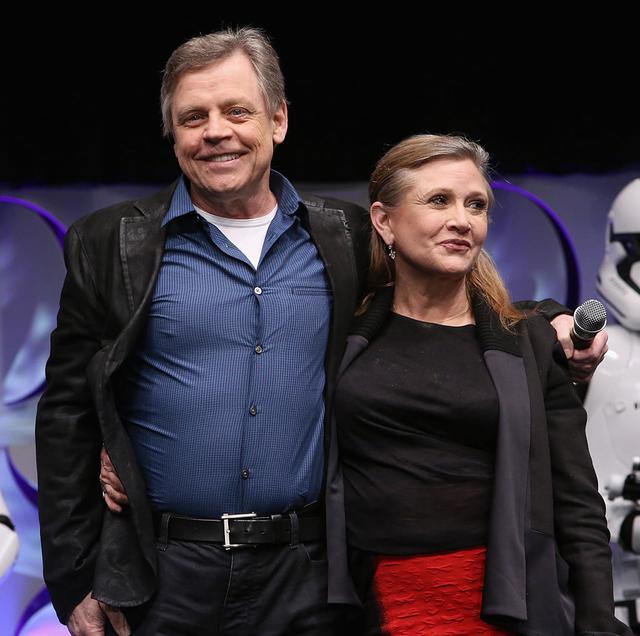 画像: マークとキャリー。2015年に行なわれたイベント『スター・ウォーズ・セレブレーション』にて。
