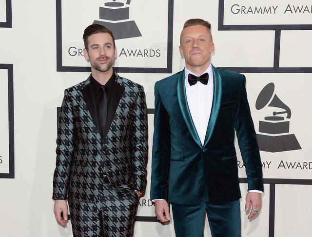画像: ライアン・ルイス(左)とマックルモア(右)。
