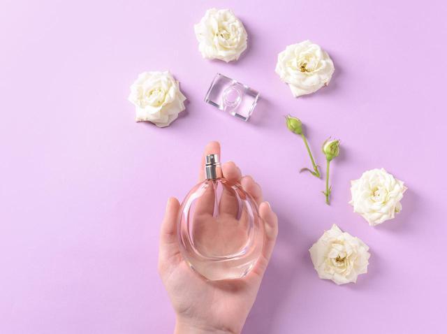 """画像: 新たな香りを創出する""""重ねづけテクニック"""""""