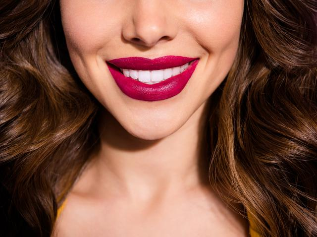 画像: 歯の黄ばみには「寒色ベースのリップ」