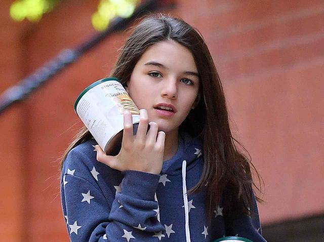 画像: トム・クルーズ娘スリ・クルーズ、14歳で「才能」爆発!母ケイティ・ホームズが報告 - フロントロウ -海外セレブ情報を発信