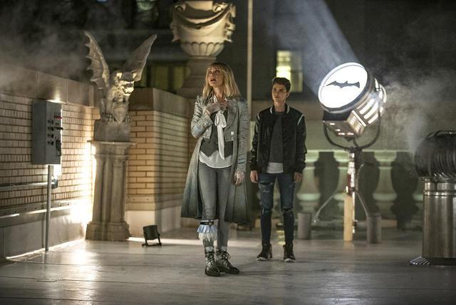 画像9: BATWOMAN TM & © DC. © 2020 Warner Bros. Entertainment Inc. All rights reserved. 『BATWOMAN/バットウーマン』<シーズン1>8/19からDVDレンタル&配信スタート