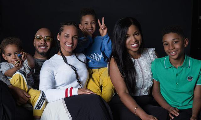画像: 子供を2つの家庭で育てる「コペアレンティング(共同養育)」とは違い、混合家族は、2つの家族を1つの家族と考えて家族行事なども一緒に過ごす家族のカタチ。