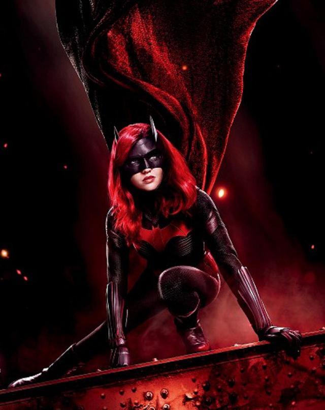 画像: BATWOMAN TM & © DC. © 2020 Warner Bros. Entertainment Inc. All rights reserved.