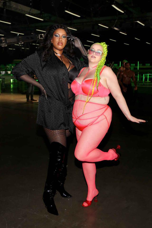 画像4: リアーナのショーに起用されたモデルがさすが
