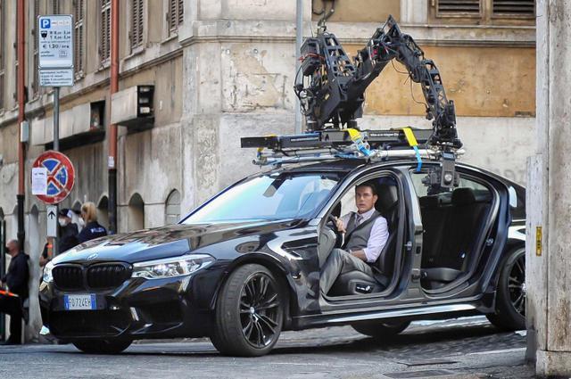 画像2: ローマ市内でカーアクションシーンの撮影も