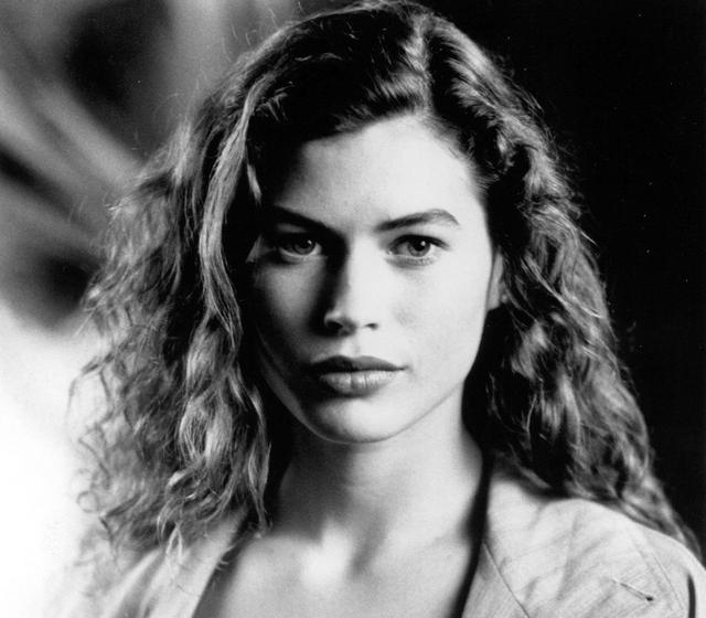 画像: 1990年公開の映画『蘭の女』に出演したキャリー・オーティス。