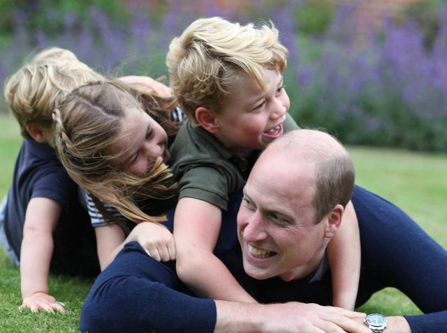 """画像: ウィリアム王子、""""外に出れない息子""""を表した「一言」が世の親の気持ちを代弁している - フロントロウ -海外セレブ情報を発信"""