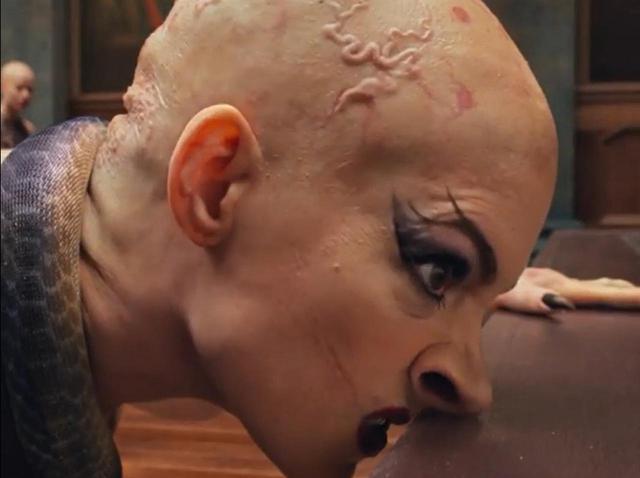 画像: アン・ハサウェイの魔女がガチ怖!『魔女がいっぱい』の魔女特集映像がヤバい - フロントロウ -海外セレブ情報を発信