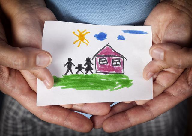 画像1: 養子縁組や里親制度で家族になれるのはセレブだけじゃない