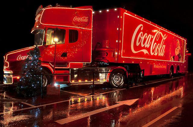 画像1: コカ・コーラ社の「ホリデーシーズンの風物詩」がキャンセルに