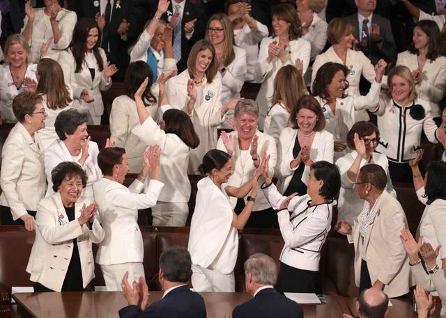 画像2: 道を切り開いてきた女性たち