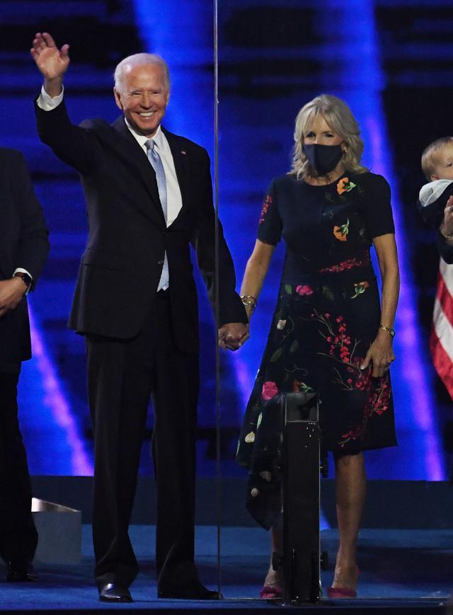 画像1: ホワイトハウスに「ファーストドッグ」が戻ってくる