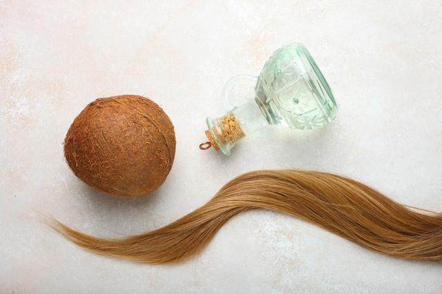 画像1: ココナッツオイルは、髪に良いの?悪いの?