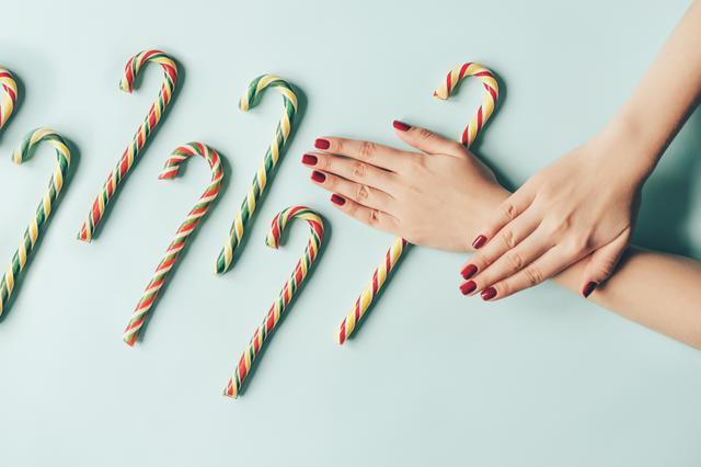 画像: オシャレな「クリスマスネイル」が盛りだくさん