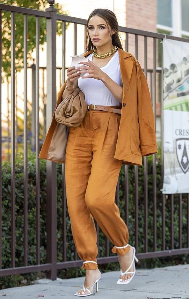 画像2: 人気モデルのオリヴィア・カルポ