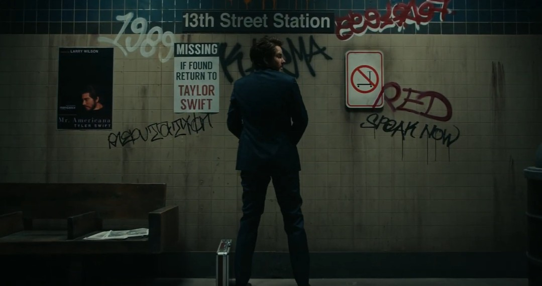 画像2: 「The Man」のミュージックビデオでスクーターとボーチェッタCEOをディス